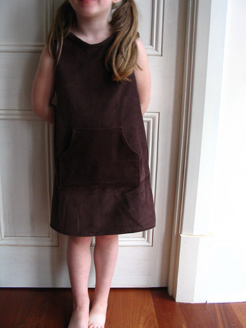 Brownpinafore2