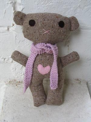Bearpinkscarf